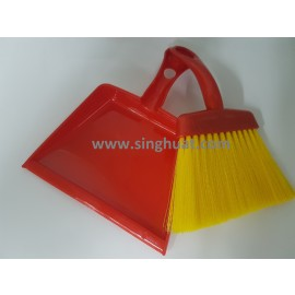 Mini Plastic Dust Pan And Brush Set * Images are for illustrative purposes only *
